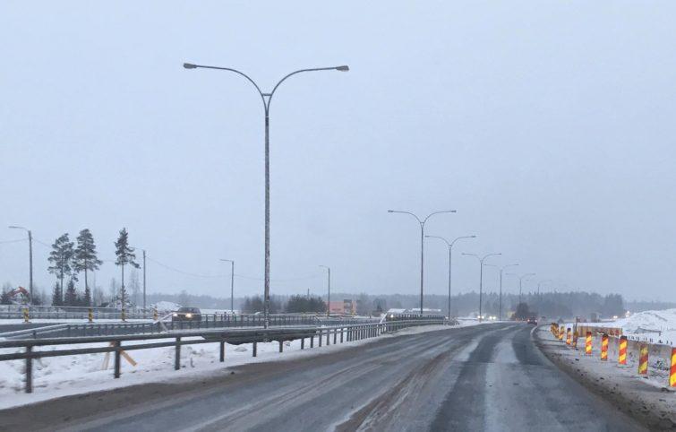 8 kilometriä melukaiteita Suomen pisimmälle valtatielle Parmalta